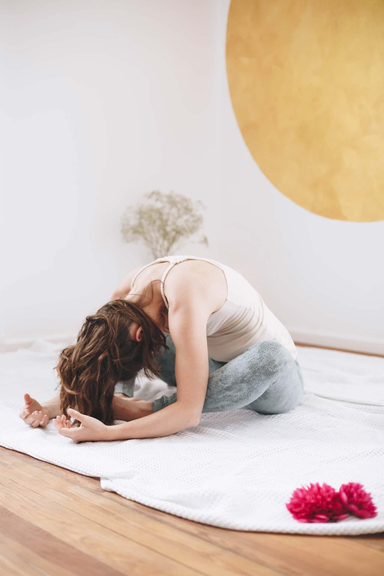 Isabell Auch | Yoga trifft Stimme | Yogaübung